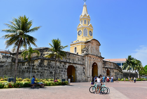 'Torre del Reloj': the clock tower gate of walled Cartagena