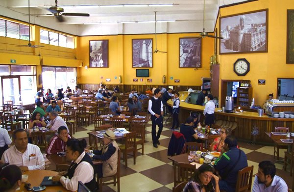 La Habana cafe in Mexico City was the former hangout of Fidel Castro and Che Guevara