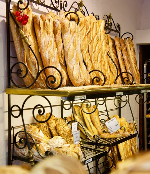 A typical boulangerie in Paris