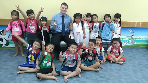 Teaching English to children in Vietnam is a common option