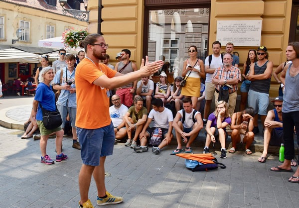 Luka, from Free Spirits Tour explaining the history of Gradec and Kaptol