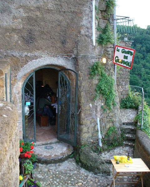 La Grotta dei Germogli restaurant in Calcata