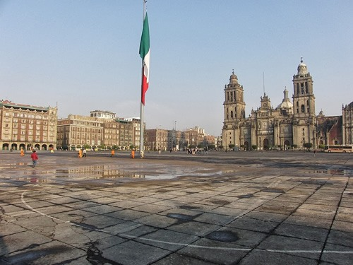 Zocalo in Mexico City safely