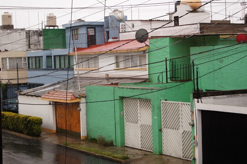 Houses in Mexico with electrical wires