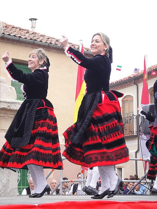Dancers at the festival of Santa Águeda.