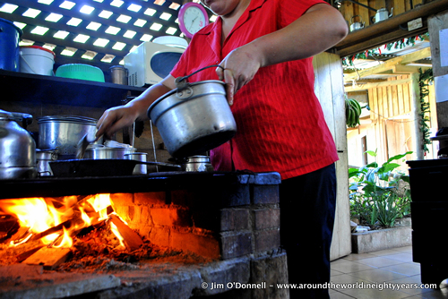 Cooking Costa Rican foods from 'How Travel Can Change the World'