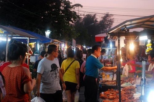 Night market Thailand from How Travel Can Change the World