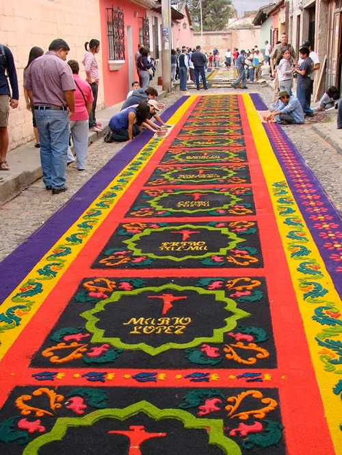 Antigua guatemala publish with glogster for Antigua alfombras