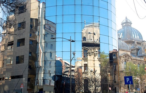 Many architectural styles in Bucharest