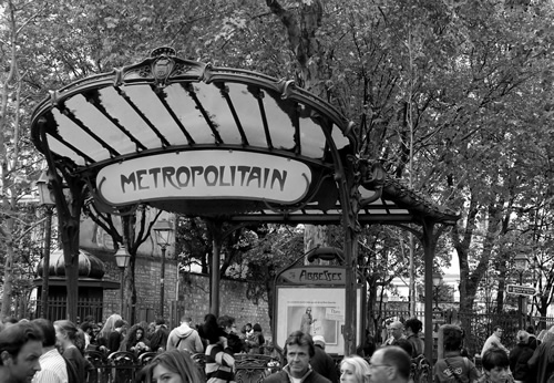 Metropolitan for cheap transportation in Paris