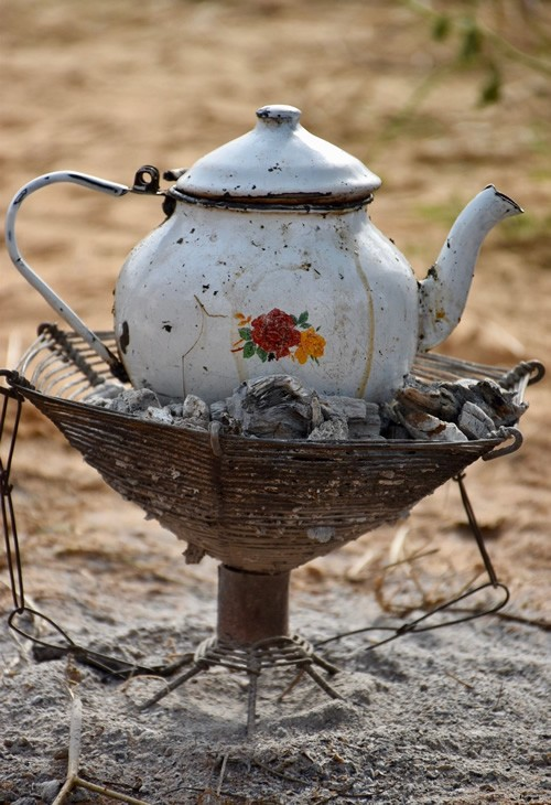 Tea session in the Sahel