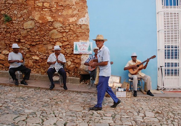 Cuba: Daily Cultural Immersion in Local Bed and Breakfasts