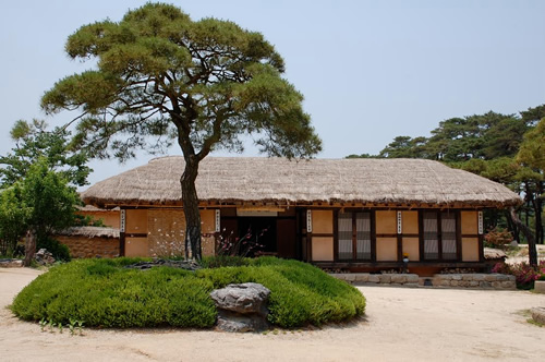 Traditional Guesthouses Far East on Traditional Japanese House Style