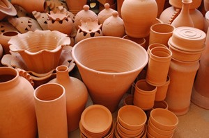 Terra cotta objects in a pottery atelier