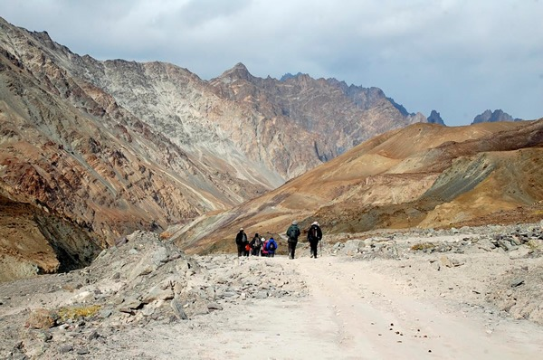 Hiking in the Markha Valley
