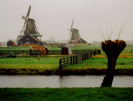 The picturesque windmills along the River Zaan.