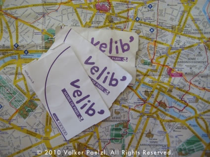 V�lib rental tickets and Paris map