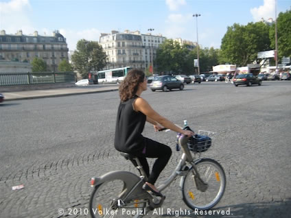 Biking in Paris on the Place de la Bastille