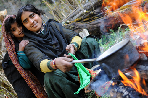 Gujjar women cooking