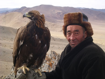 it is mid afternoon in the western mongolian countryside simon and i ...: http://www.transitionsabroad.com/listings/travel/narrative_travel_writing/kazakh-eagle-hunters-of-mongolia.shtml