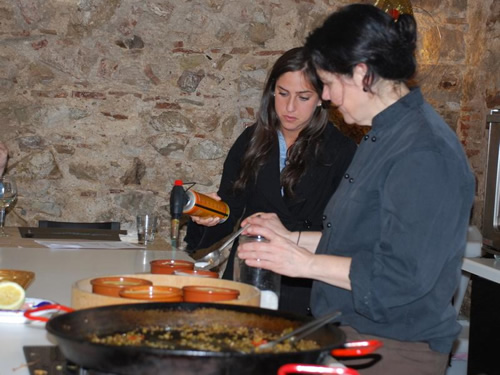 Barcelona cooking class with teacher Teresa and student