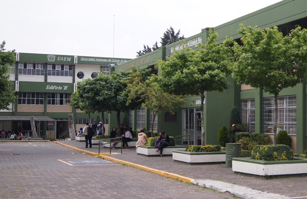 Teaching English as a second language in a Mexican University