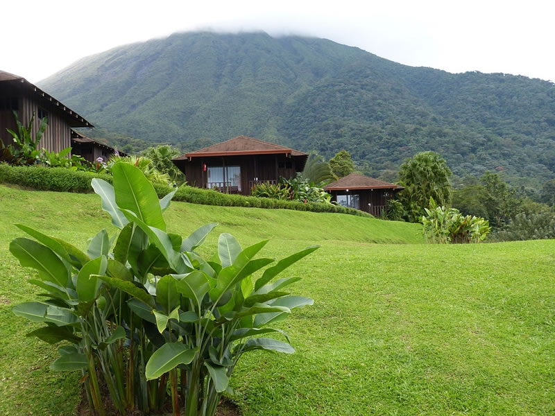 Eco-lodges in Costa Rica sometimes offer part-time jobs