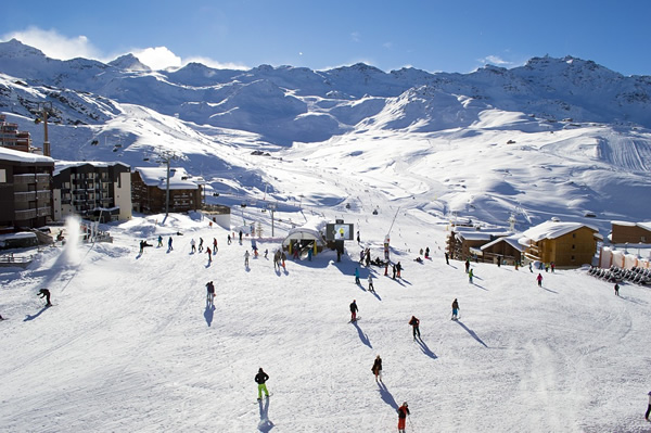 Hotel or chalet jobs at a ski resort in the Alps
