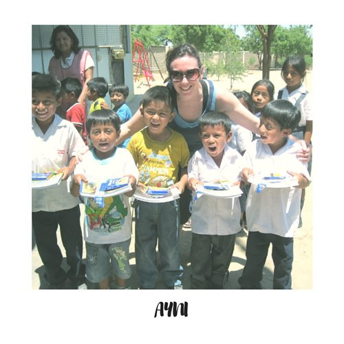 AYNI volunteers