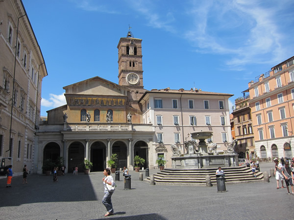 Basilica of Santa Maria in Trastevere in Rome by foot