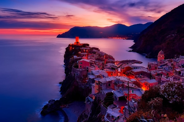 Rick Steves on Cinque Terre in Italia