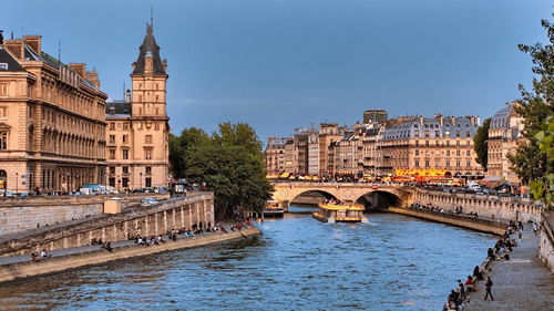 A view of the Seine river in Paris