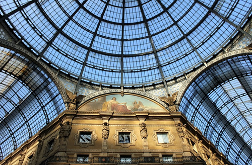 how to apply for lance visas to work in  galleria in milan