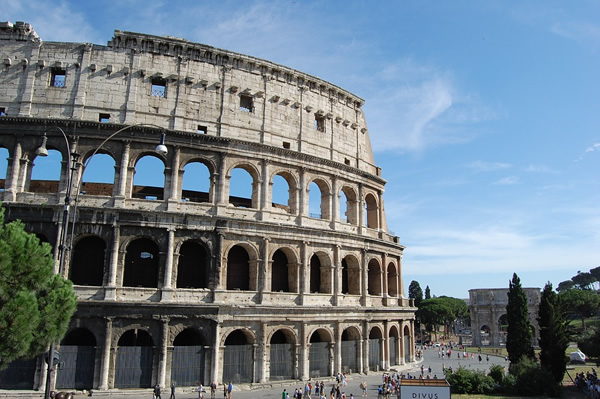 You can guide a tour in Rome during the summer
