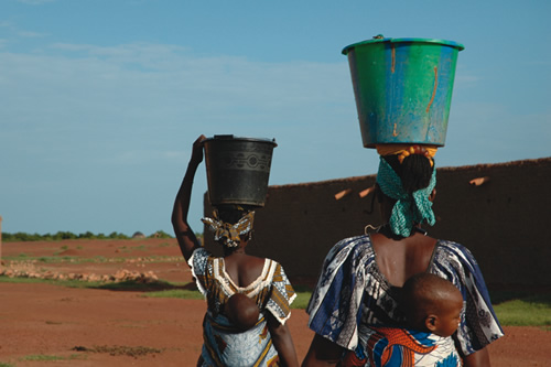 Women Carry Water in Niger
