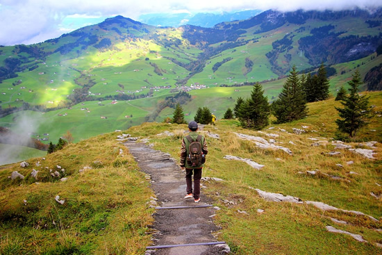 Hiking and safety in the Alps