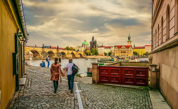 A couple in love in  Prague