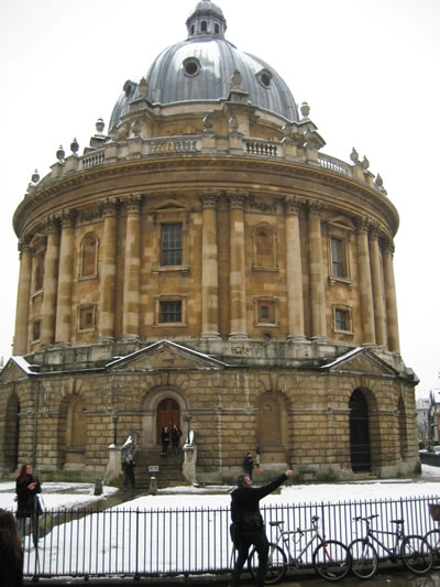 Oxford's Radcliffe Camera in the snow