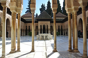 Patio of the lions in Alhambra, Granada
