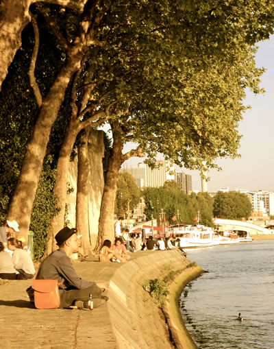 Students in Paris, Seine river