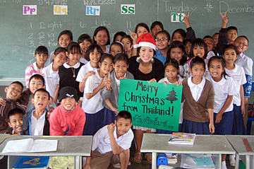 Volunteer in a classroom in Thailand teaching English with Worldteach
