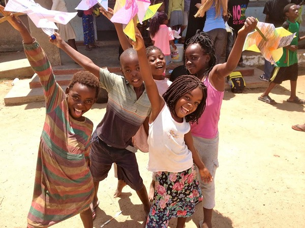 Volunteer service with children in Zambia